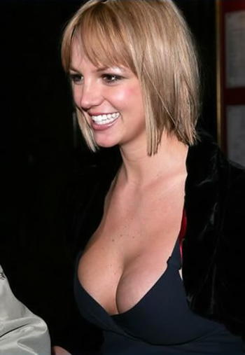 brittney spears cleavage 